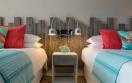 Sea Breeze Beach House - 4 Bedroom Oceanfront Suite