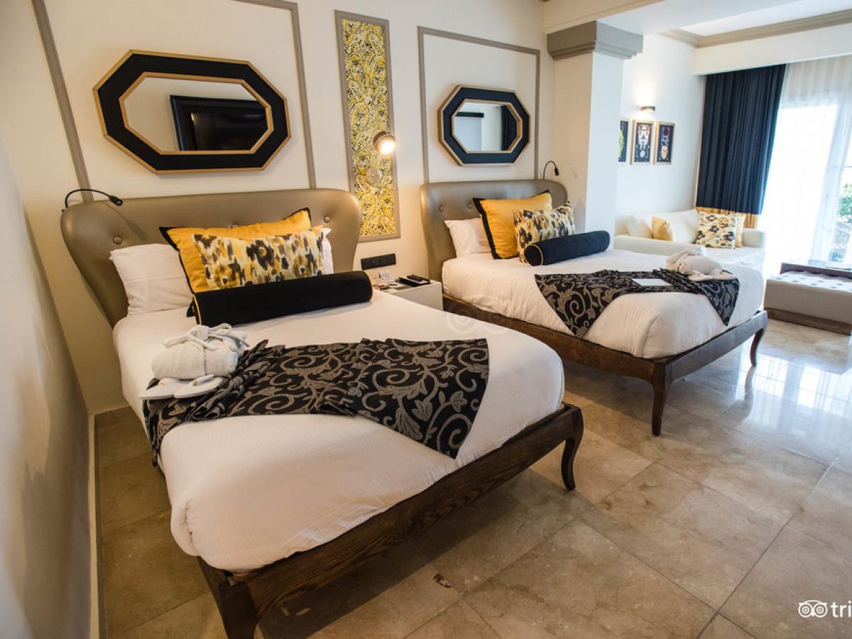 Grand Palladium Lady Hamilton Resort Spa